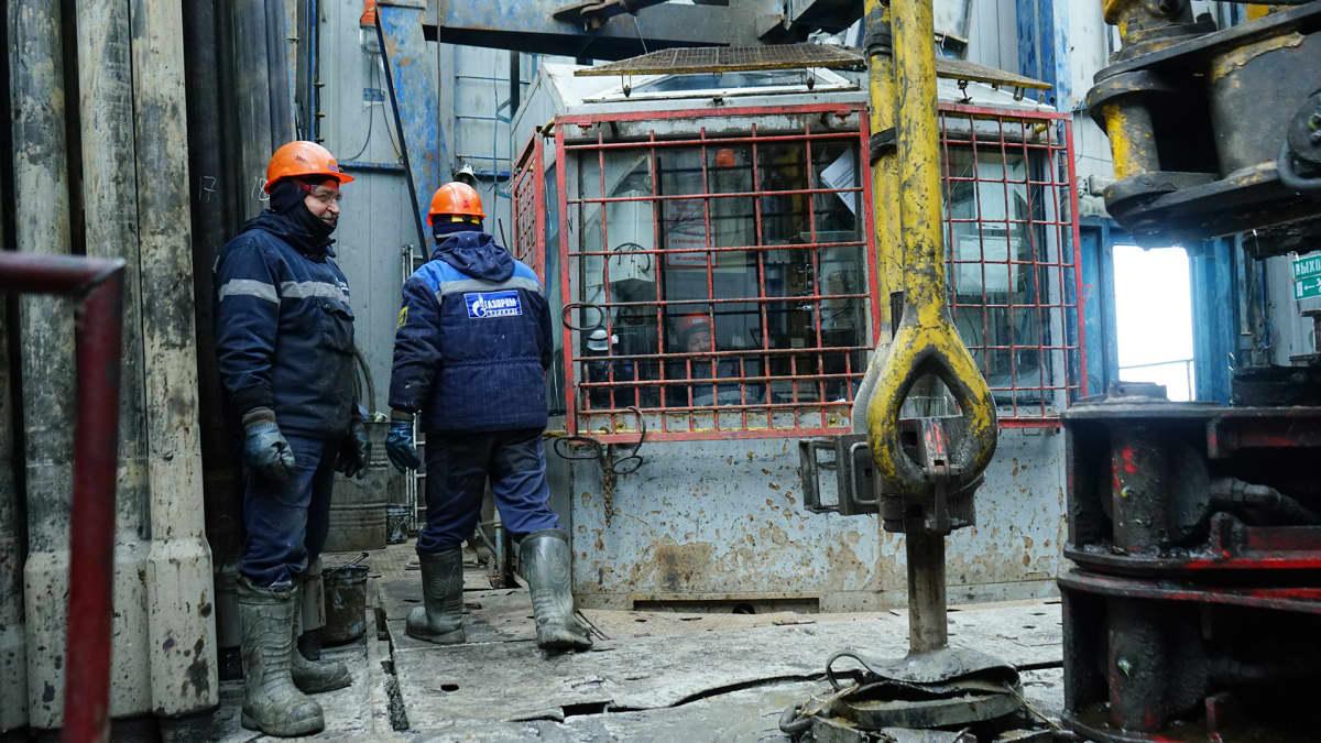 Bovanenkovon kaasukenttä työllistää vuoroissa 1500 ihmistä kerralla. He tekevät töitä kuukauden ja lomailevat sitten kuukauden.