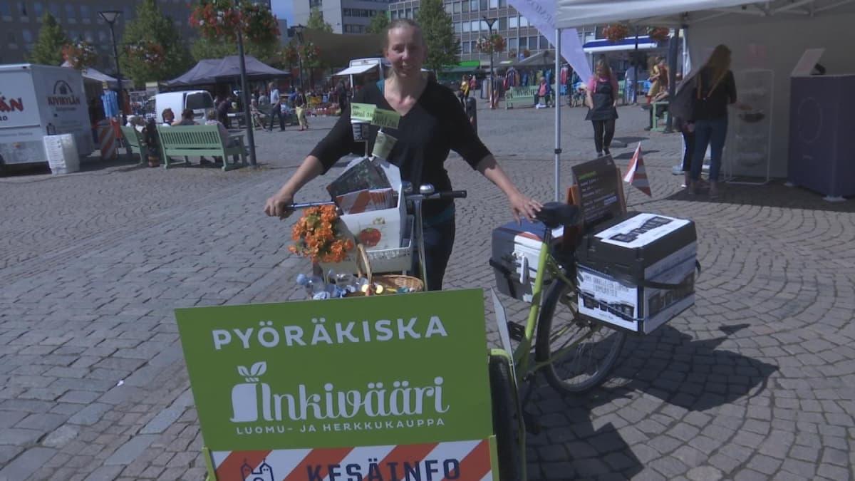 Hanna-Leena Rajamäki kauppias luomu- ja herkkukauppa Inkivääri