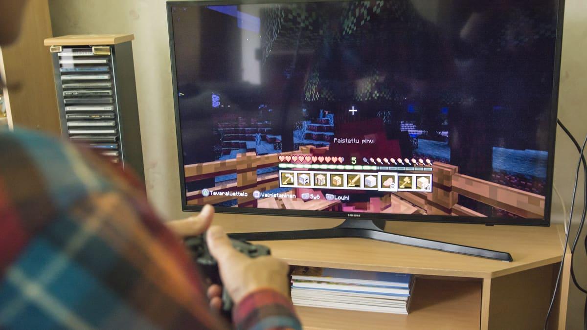 Minecraftia pelataan konsolilla