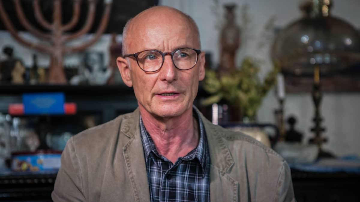 Ekkehard Maass pyörittää kotoaan käsin tšetšeenipakolaisia auttavaa järjestöä. Hän vetosi kaksi vuotta sitten Saksan viranomaisiin, että tapettu tšetšeeni on vaarassa Venäjän uhkailujen vuoksi.
