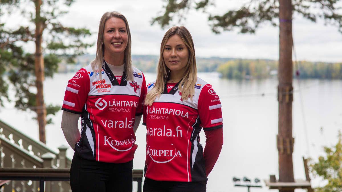 Virpi Hukka ja Emma Sallinen Manse PP:n tiedotustilaisuudessa 27.9.2019.