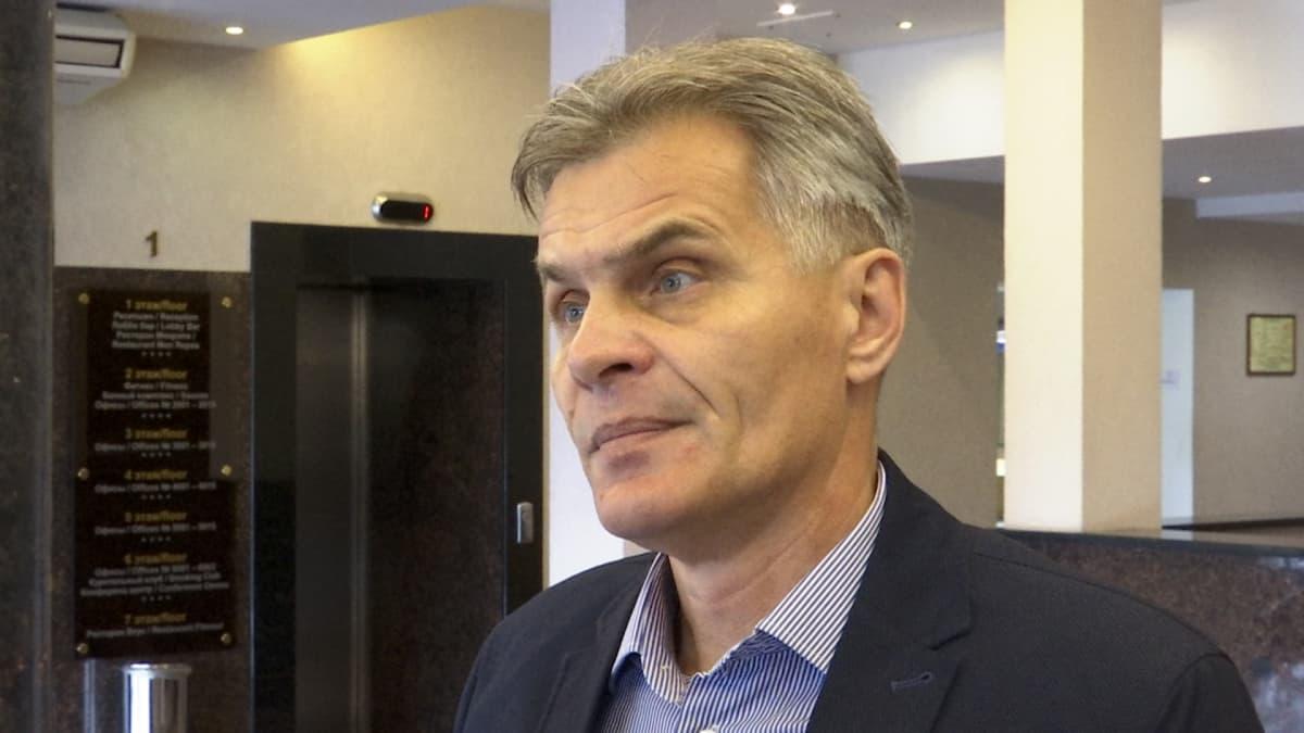 Viipurilaisen Victoria-hotellin johtaja Viktor Jevplov.
