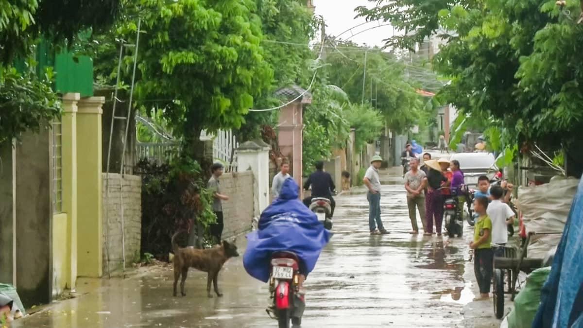 Katukuva Vietnamilaisesta kylästä.
