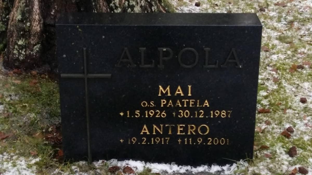 Antero Alpolan hauta