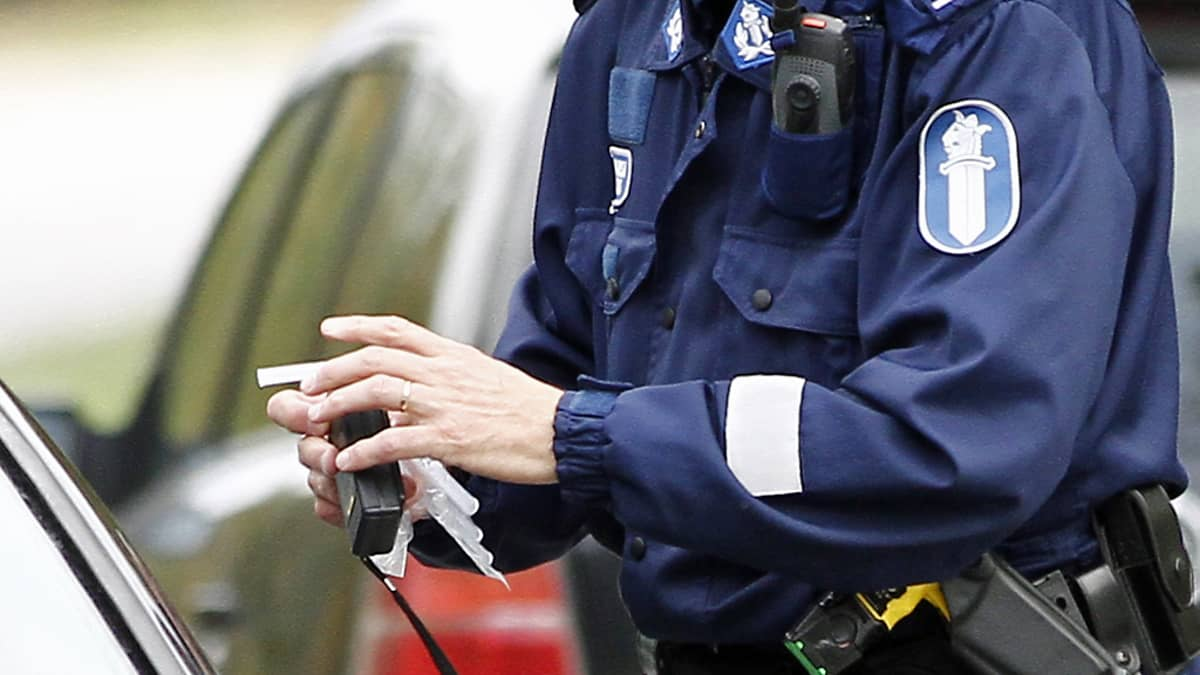 puhallusratsia poliisi