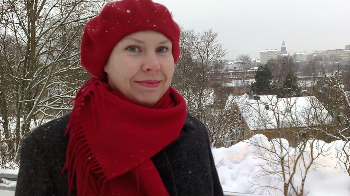 Toimittaja tietokirjailija Elina Teerijoki.