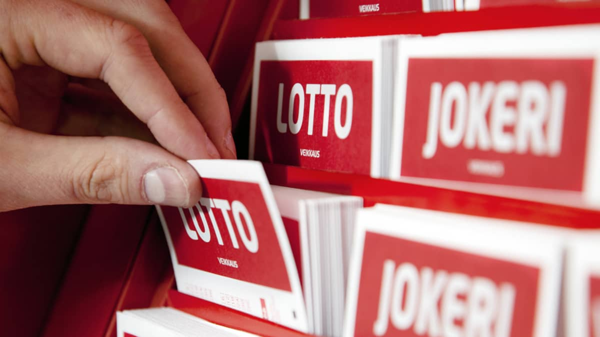 Lotto- ja jokerikuponkeja.