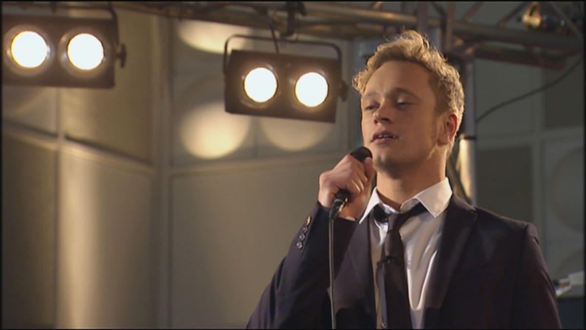 Ville Eetvartti laulaa.