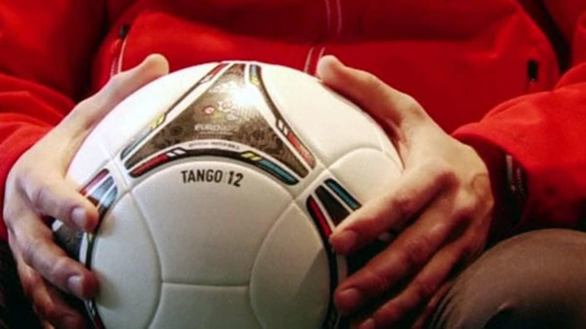 Tango 12 -jalkapallo.