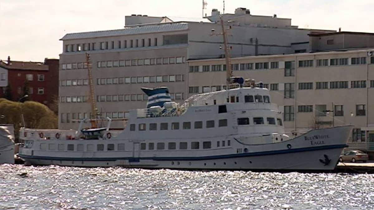 M/S BlueWhite Eagle Kuopion satamassa