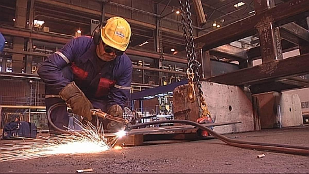 Technipin työntekijä Porin Mäntyluodon-telakalla