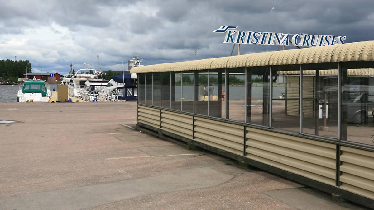 Cristina Cruises'in terminaali Kotkan kantasatamassa