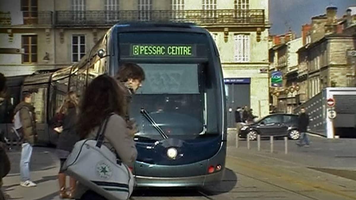 Ajolangaton raitiovaunu Ranskassa.