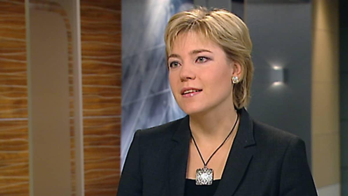 Henna Virkkunen Aamu-tv:n haastattelussa.