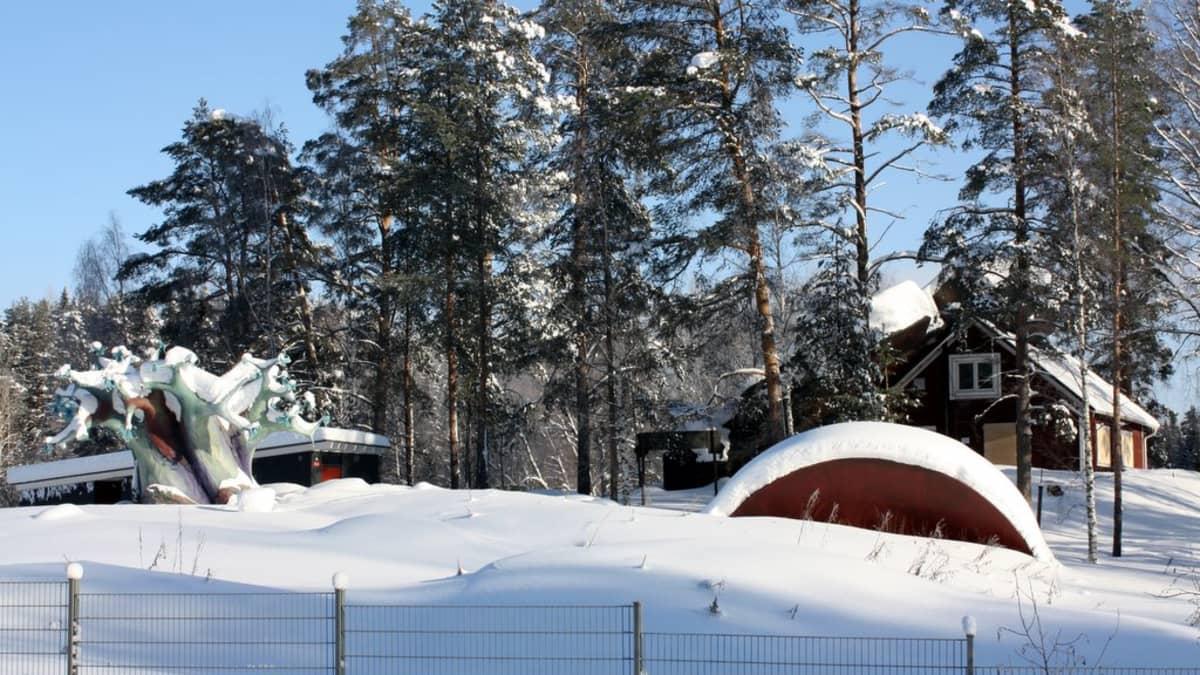 Hoksopoli ja Villa Kaislaranta.