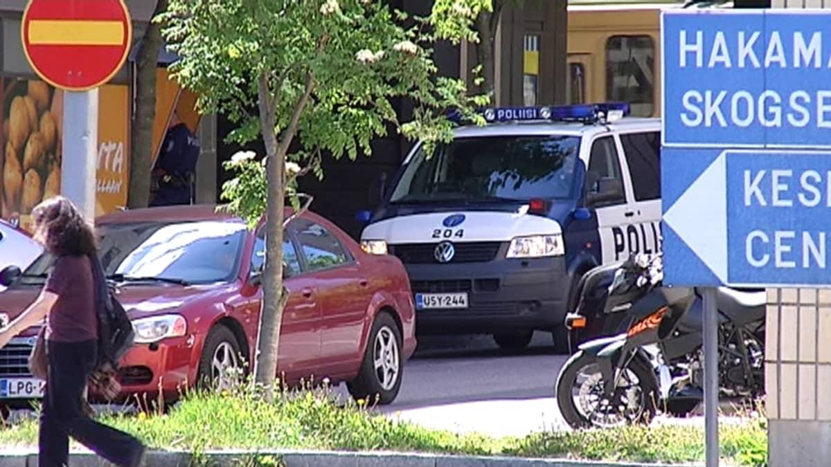 Poliisiauto Pasilassa.