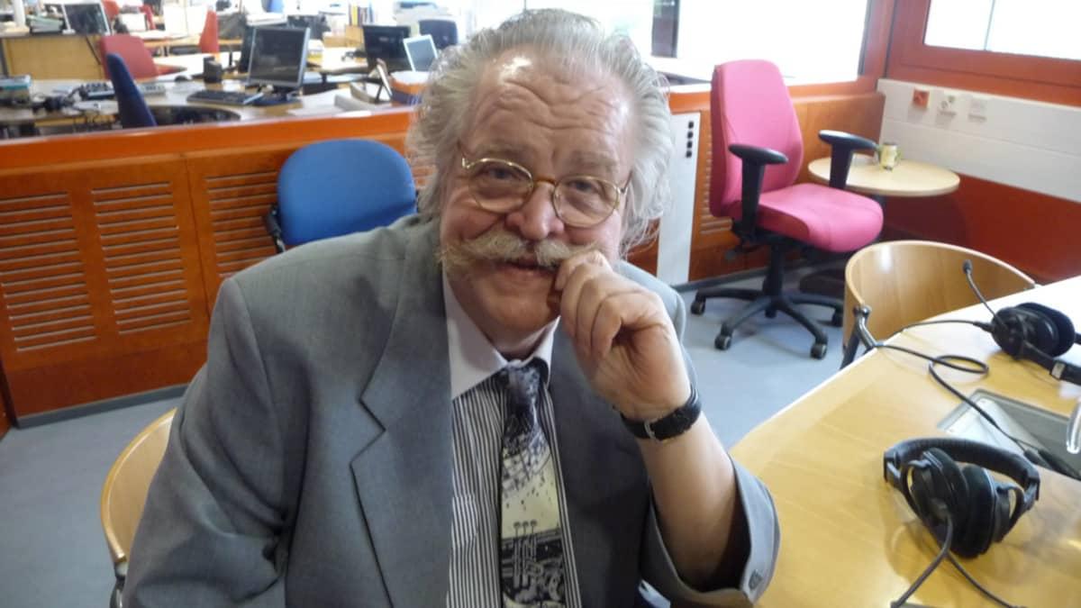Kouluttaja Olli Linjala.