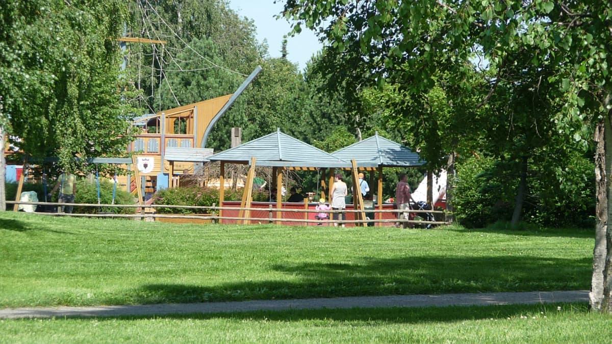 Pelle Hermanni -puistoa Kirjurinluodossa.