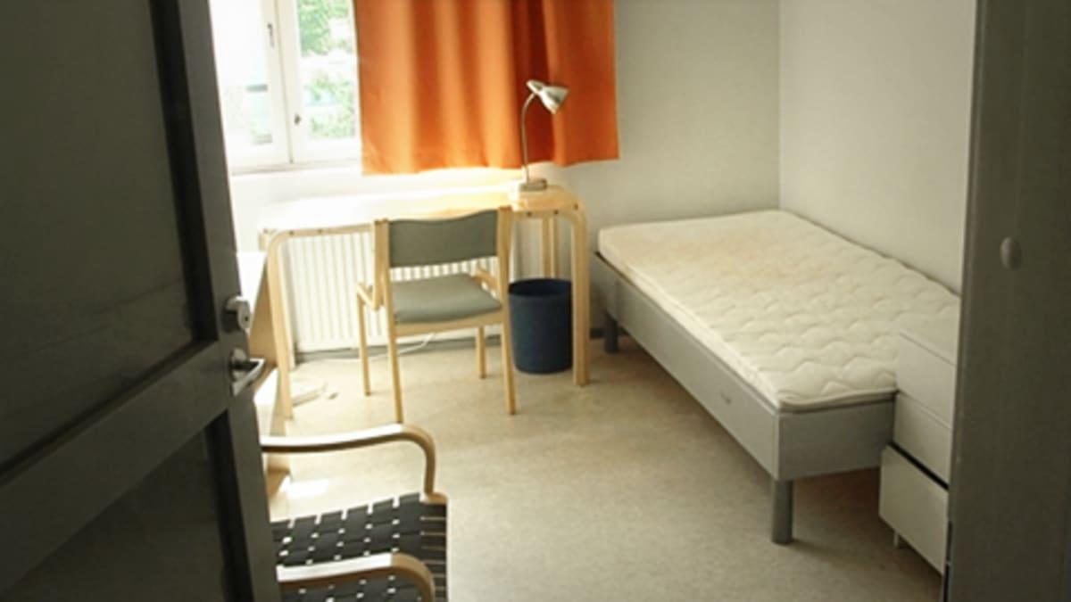 Hoasin opiskelija-asunnon soluhuone Helsingissä.