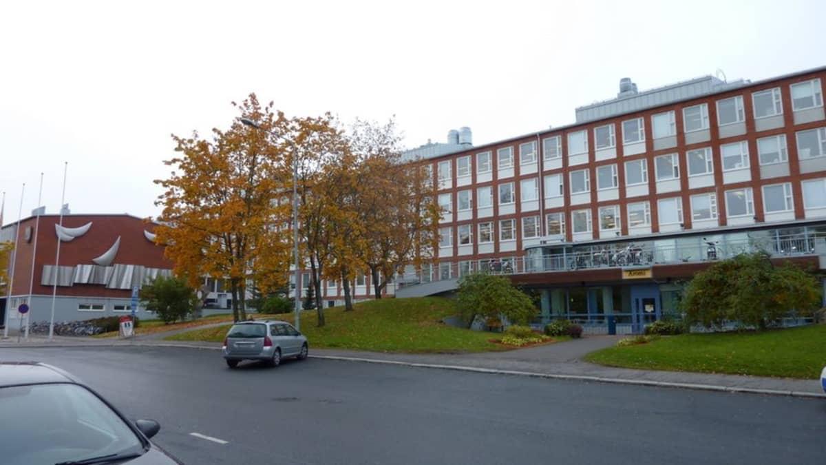 Savon ammatti- ja aikuisopiston rakennus Kuopion Presidentinkadulla.