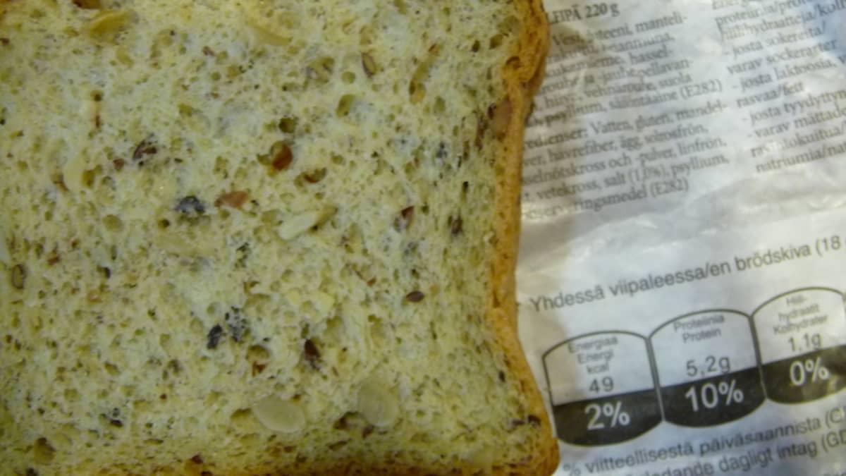 Vähähiilihydraattista karppausleipää.