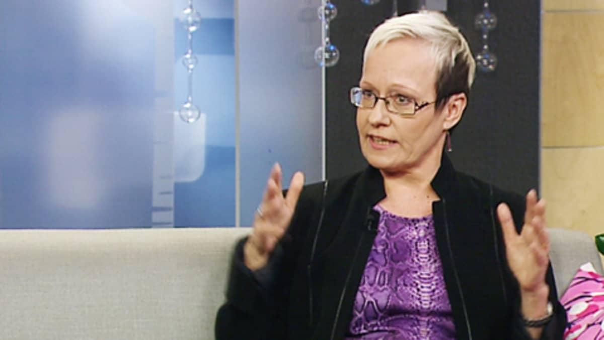 Kirjailija Johanna Sinisalo.