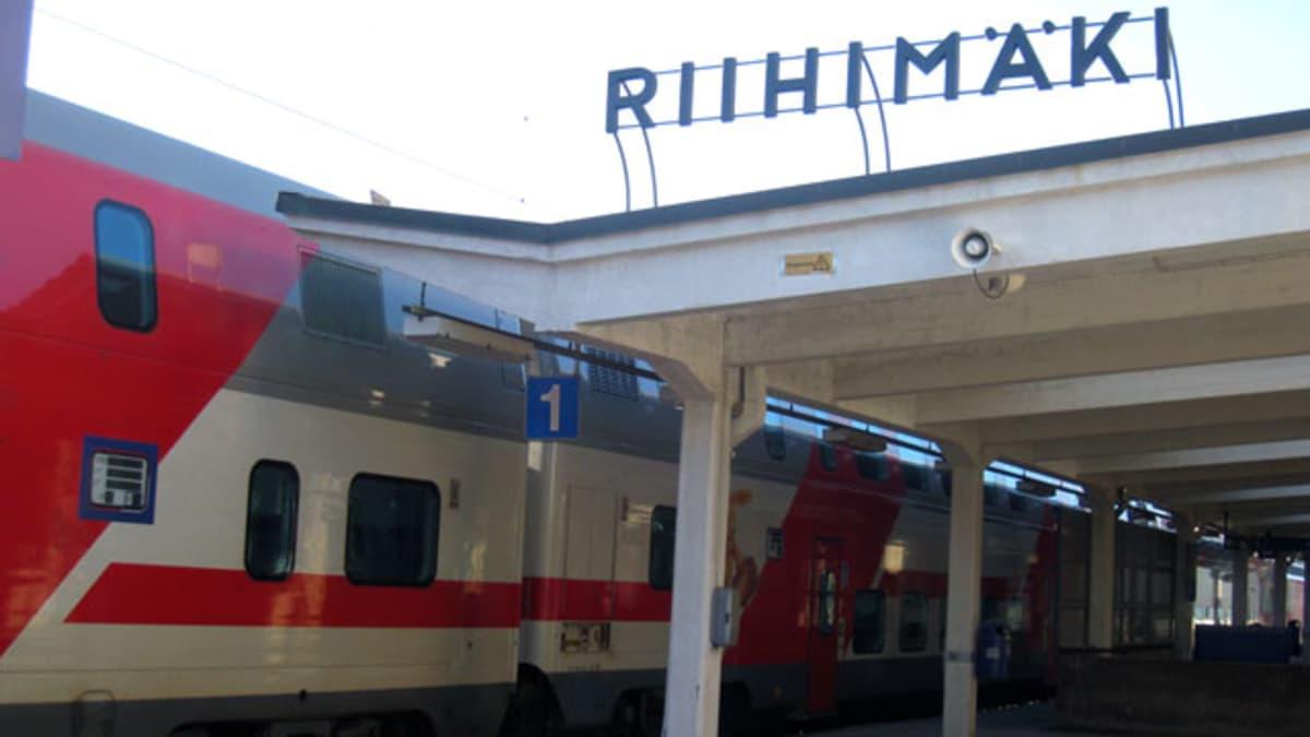IC-juna Riihimäen asemalla