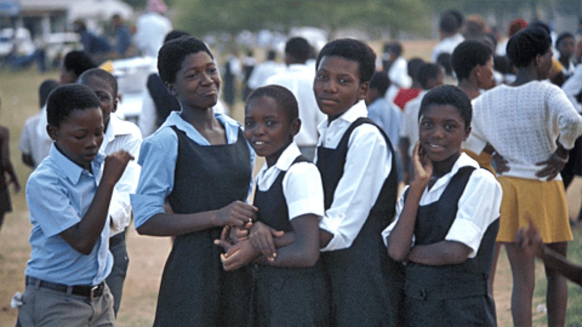 Etelä-Afrikka, Bophuthatswana koululaisia vuonna 1982.