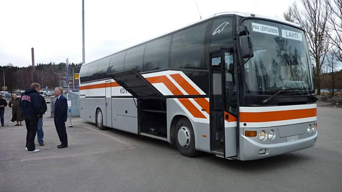 Koiviston auton bussi.