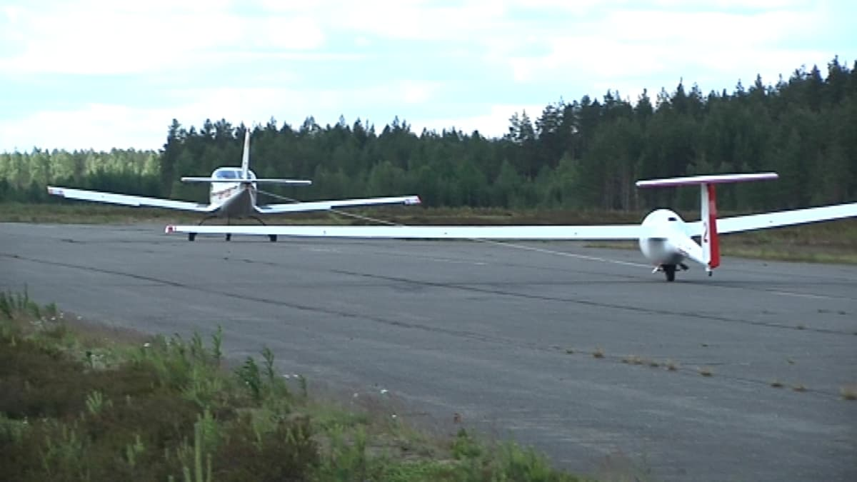 Menkijärven lentokenttä.