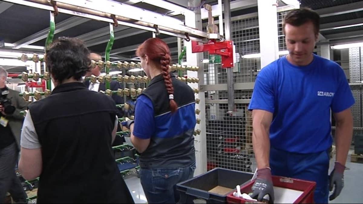 Työskentelyä Abloyn Joensuun tehtaalla.