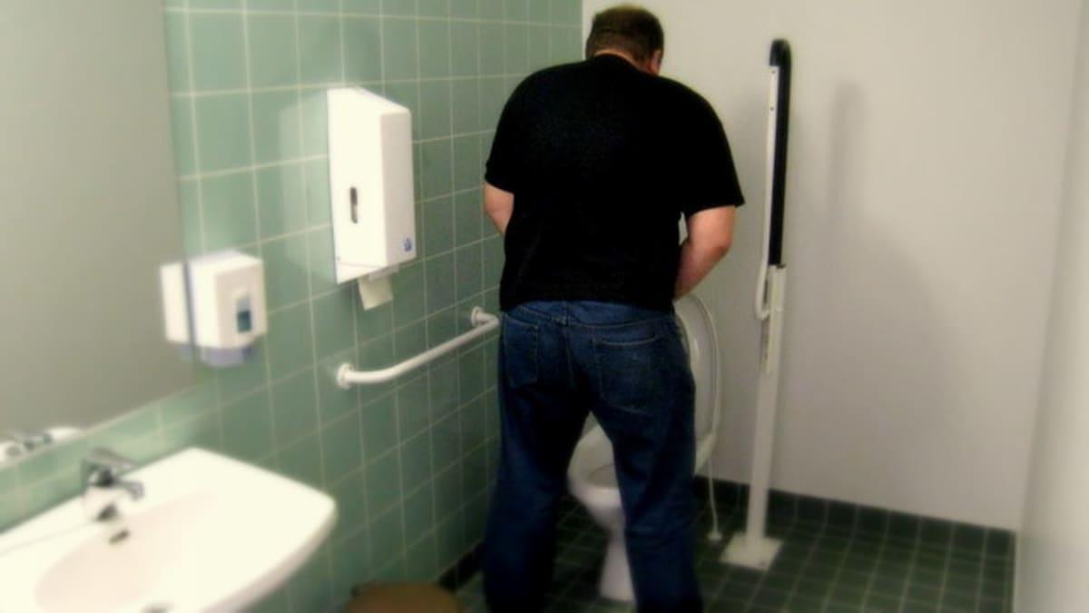 Mies vessassa