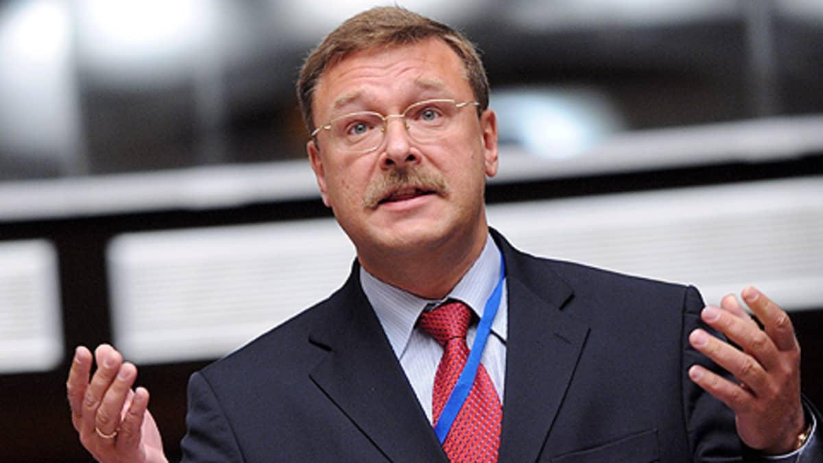 Venäjän duuman ulkoasiainvaliokunnan puheenjohtaja Konstantin Kosatšev.