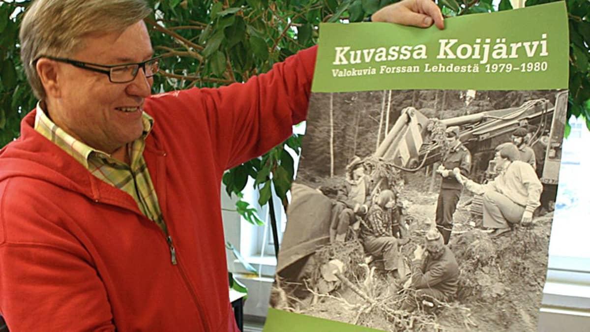 Aarnen muisto Koijärven kahinoista on taltioitu myös julisteeksi. Aarne kyyköttää oikealla