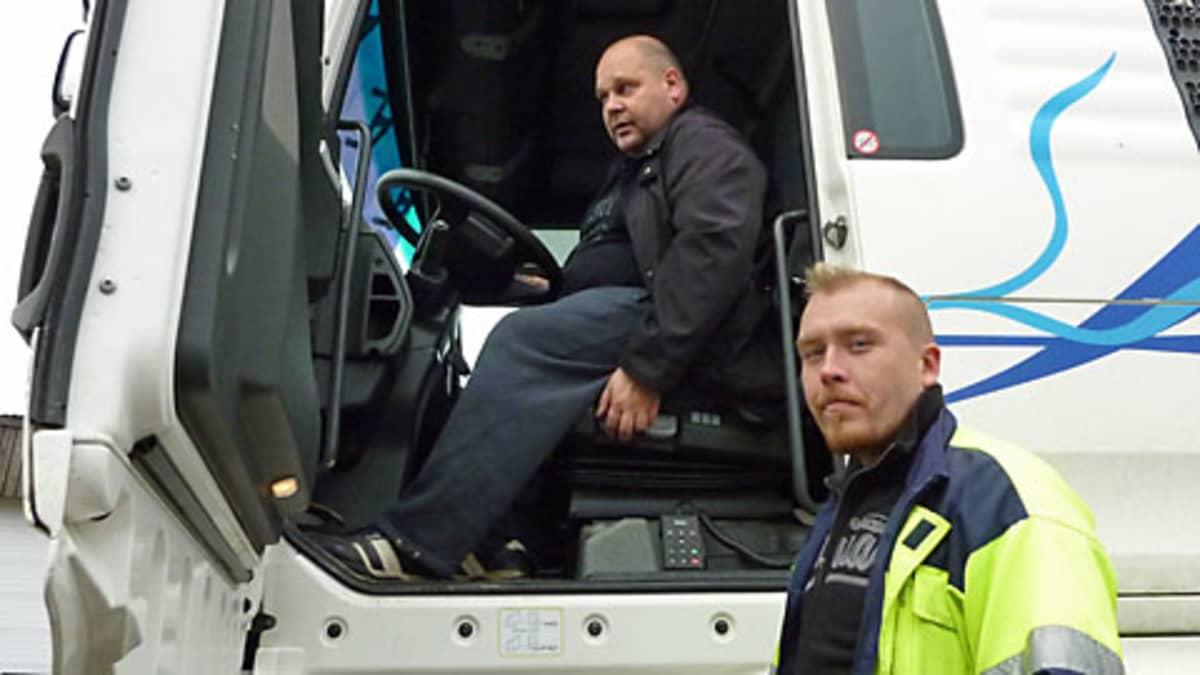Asiakaspalvelua kehitetään smalltalkilla sanovat Kari Härkönen ja Jouni Lukkari