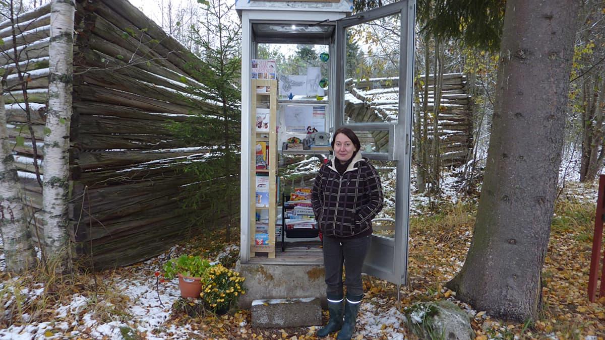 Puhelinkopista on loihdittu kylällä kirjasto.