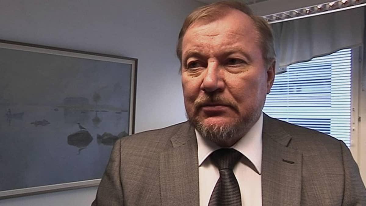 Rikosylikomisario Pauli Huuskonen on tutkinut hiihdon doping-jupakkaa jo vuosien ajan.