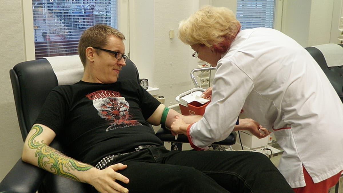 Mikko Lehtinen ja Tiina Kärki.