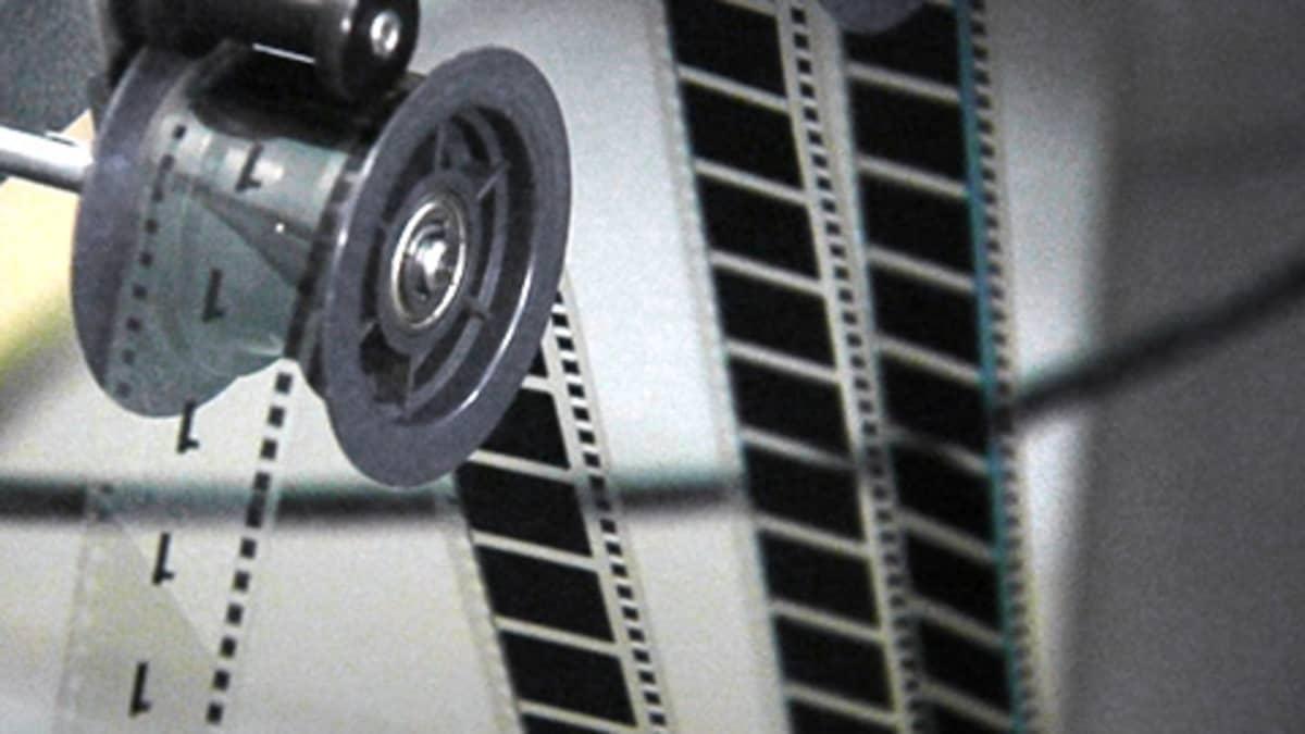 Filmi pyörii elokuvaprojektorissa.