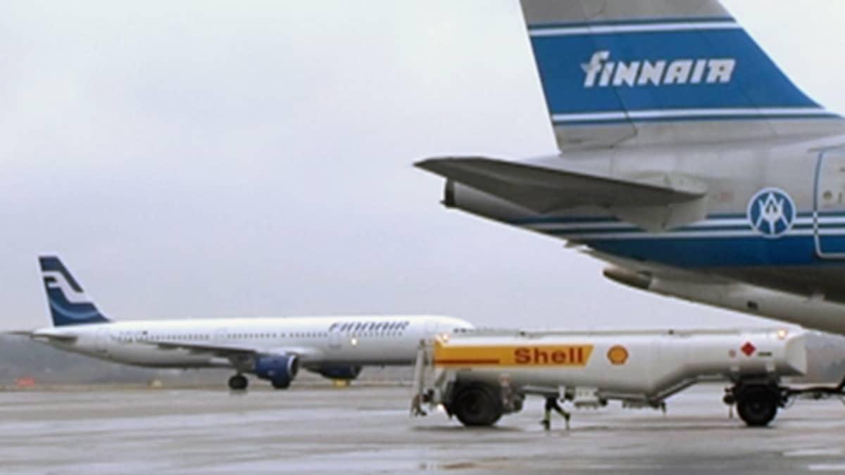 Finnairin koneita ja tankkiauto.