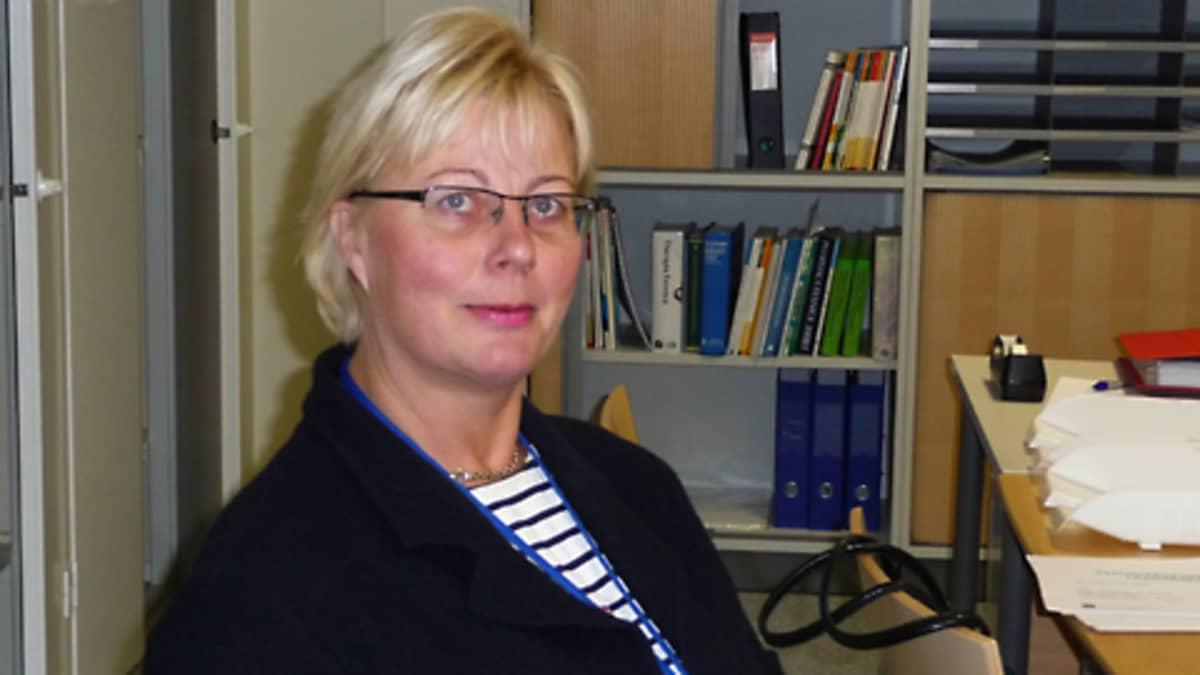 Johtava ylilääkäri Kati Myllymäki