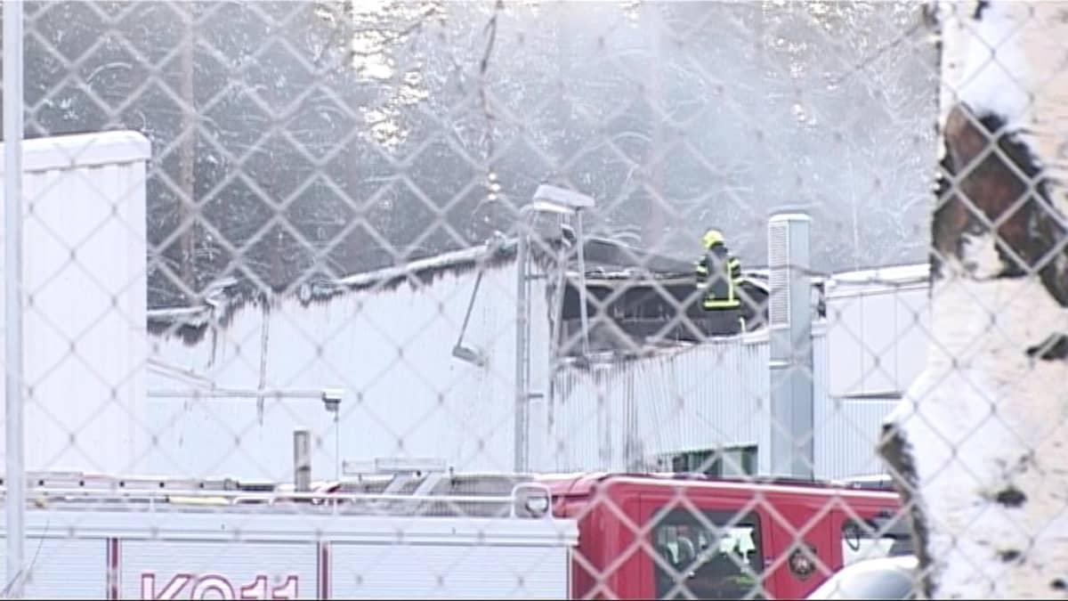 Tulipalossa tuhoutunut Abloyn pintakäsittelylaitos