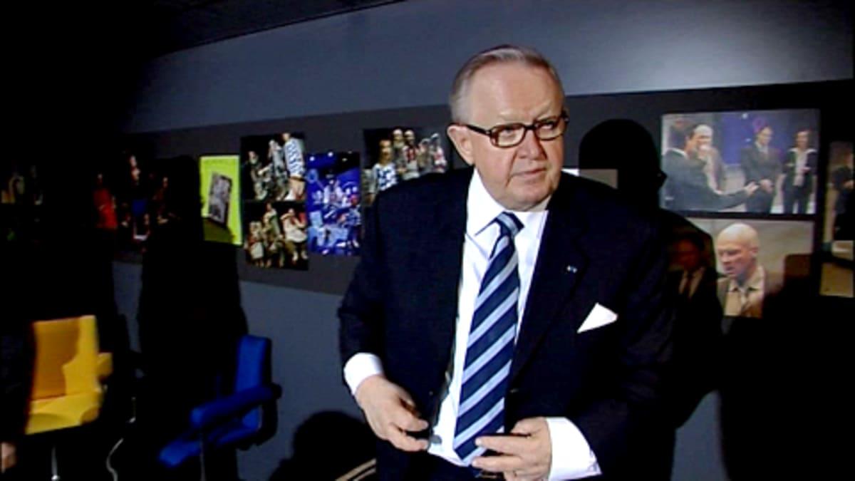 Martti Ahtisaari Oulun kaupunginteatterissa.