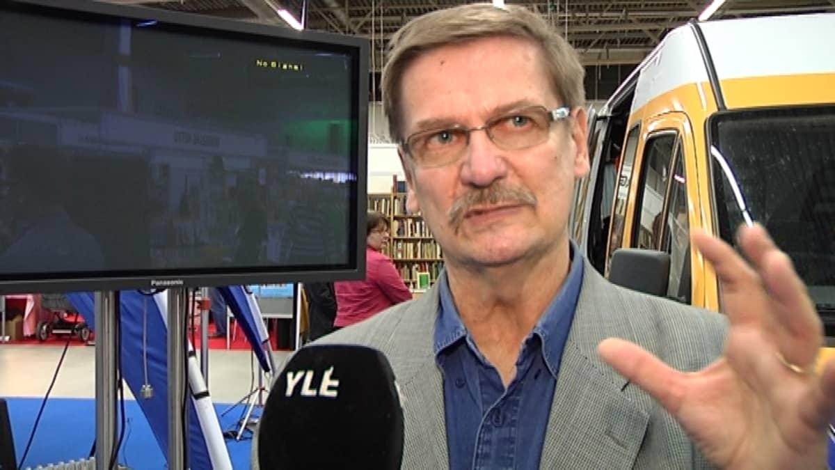Turun Kirjamessujen isä on Kari J. Kettula.