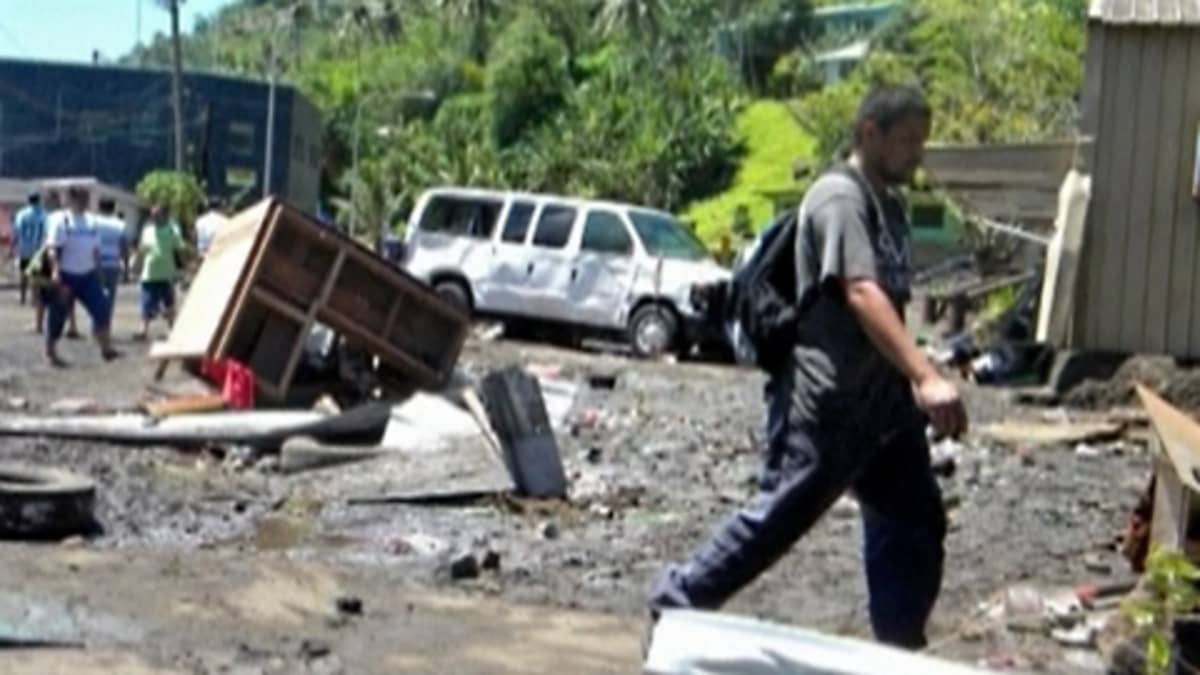 Tsunamin maalle heittelemiä esineitä.