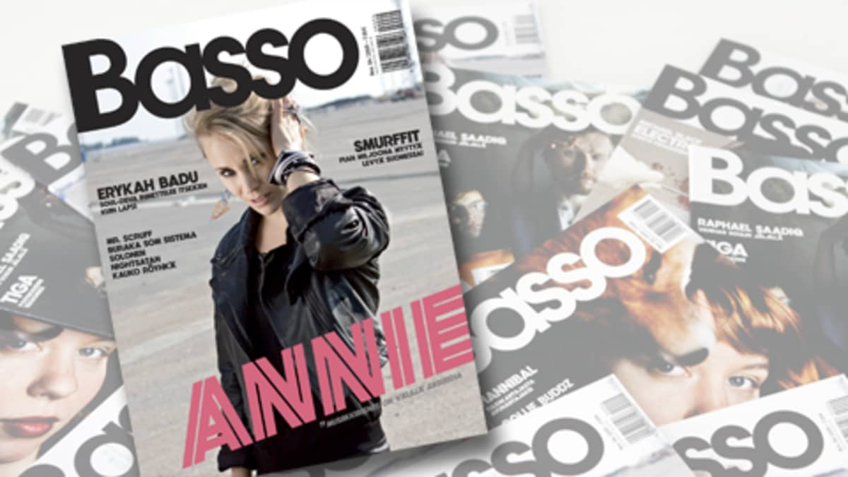Kuva Basso-lehden kansista, päällimmäisimpänä kansi, jossa Annien kuva.