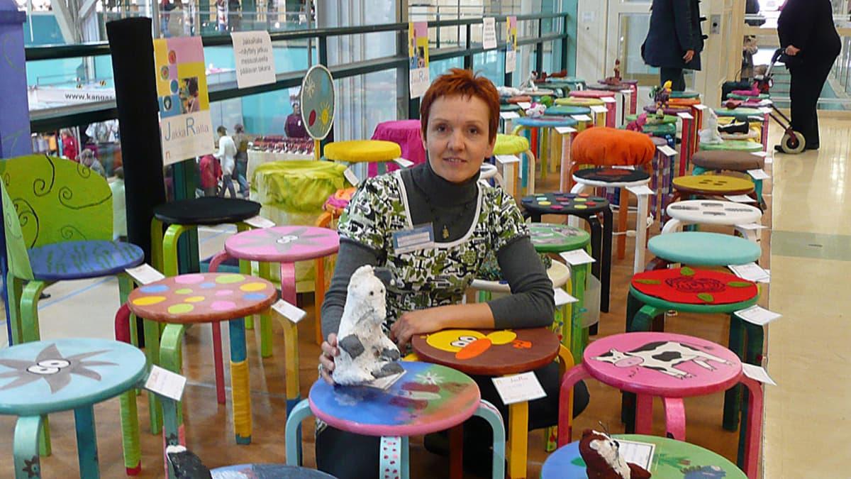 Anne Honkala ja jakkaranäyttelyn satoa