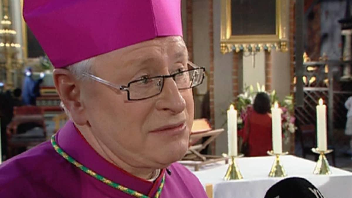 Suomen katolisen kirkon piispa Teemu Sippo