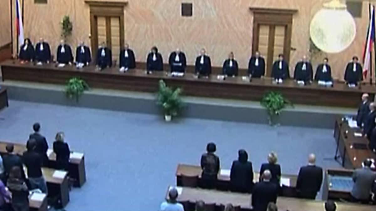 Tshekin perustuslakituomioistuin kokoontui käsittelemään Lissabonin sopimusta