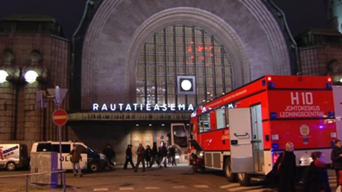 Rautatieasema ja paloauto